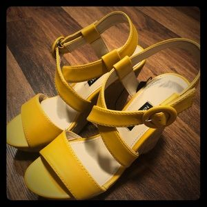 New NINE WEST Mustard Yellow Wedges Platforms